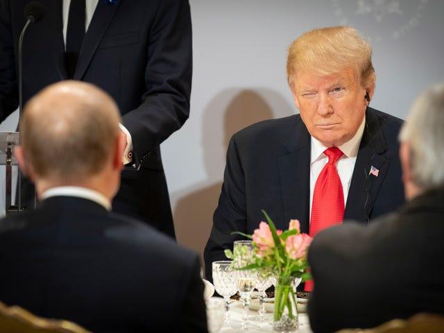 Trump ringer av möte med Putin direkt efter att Michael Cohen har kommit överens om att sjunga som Johnny Gill vid hans uppmärksamhet för ny upplaga