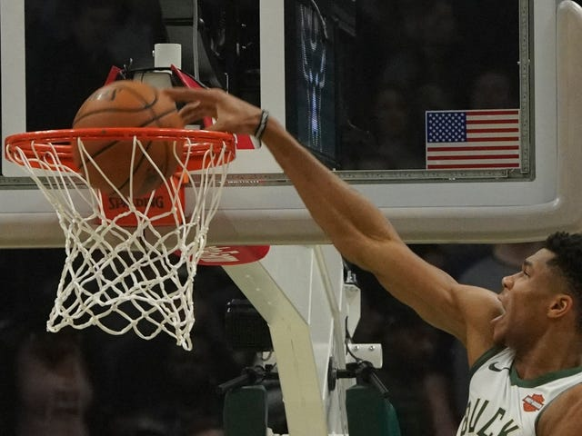 Giannis Antetokounmpo Boomed The Kings To Hell