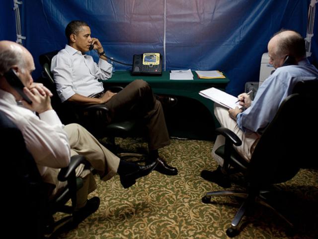Sí, el presidente puede enviar mensajes en masa a todos en el país en cualquier momento