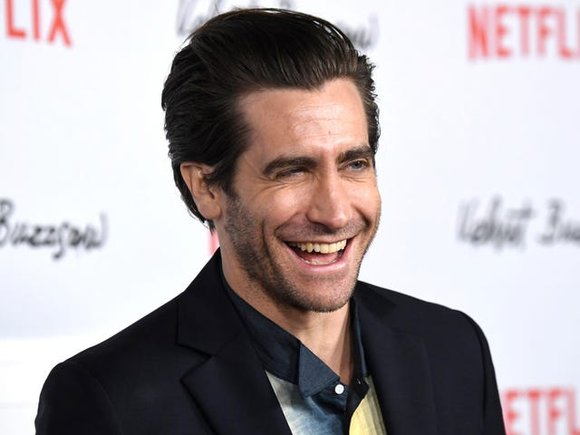 Jake Gyllenhaal Has Many Beautiful Pictures of Himself