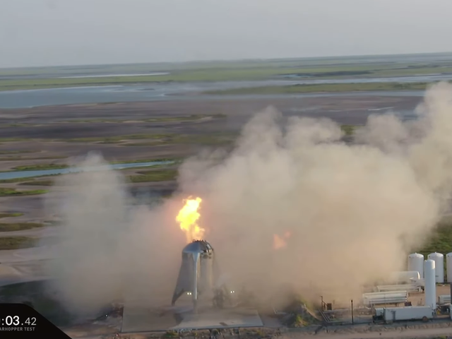 """SpaceX avbryter första försökte flygprov av """"Starhopper"""" -prototyp efter motorbrand"""