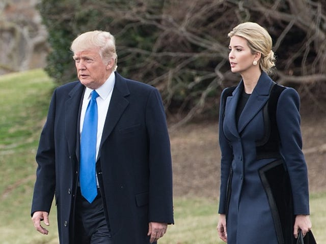 Nordstrom Drops Ivanka Trump Märke Från Butiker, Citing Bad Sales