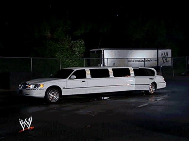 10 år siden døde WWE Vince McMahon i sin mest latterlige historien noensinne
