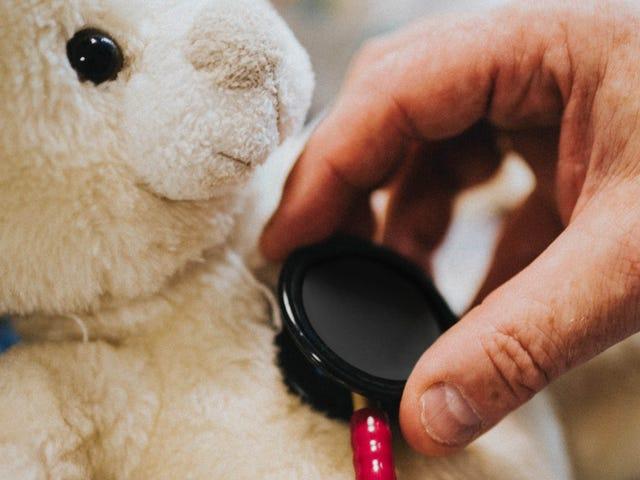Berhenti Memberitahu Anak Anda Prosedur Perubatan mereka 'Tidak akan Hurt a Bit'