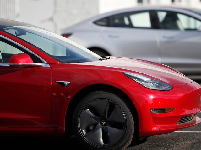 Tesla's Model van $ 35.000 kost $ 38.000 om nu te verdienen, zegt Elon Musk naar verluidt