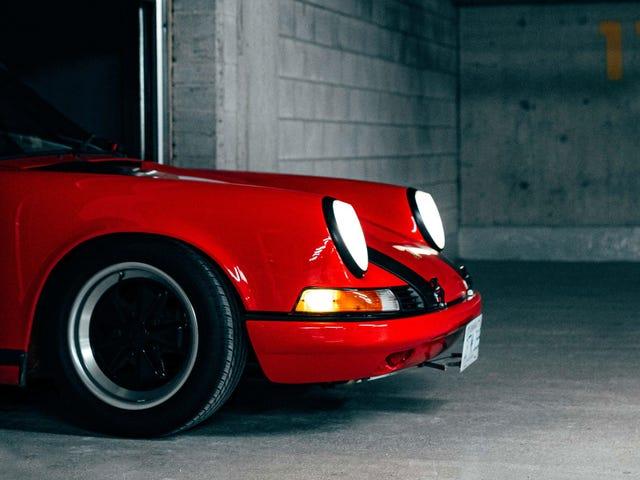 Seus ridículos papéis de parede Porsche 911 SC estão aqui