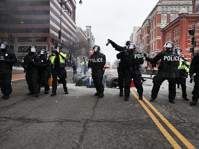 ACLU Sues DC Police, Claims Officers Wrongfully Arrested Protesters During Trump's Inauguration