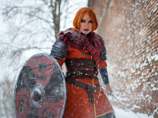 Witcher 3 Cosplay Is Burning Through The Snow
