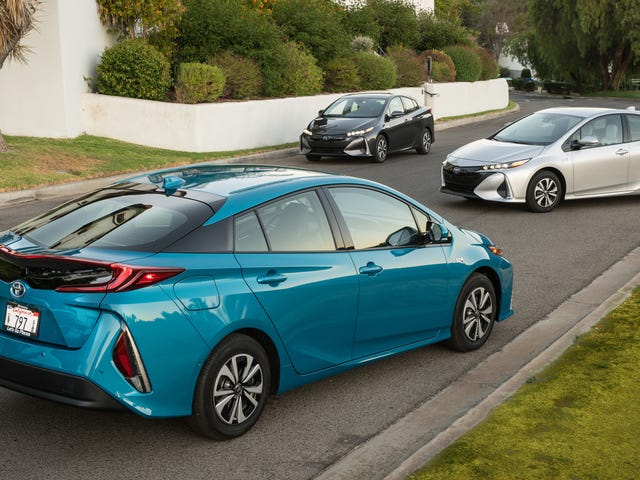 2020 Prius Prime Gets Fifth Seat, Which It Had Been Missing Apparently