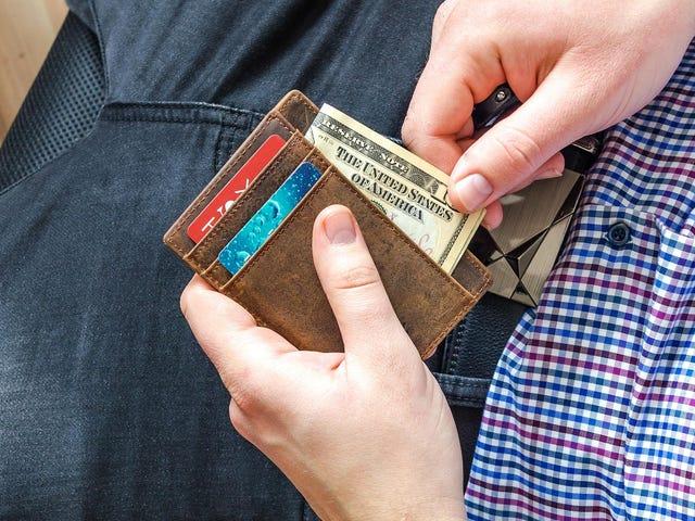 Skal du oppdatere inntektene dine med kredittkortutstederen?