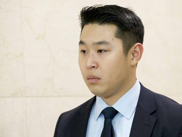 Luật sư bào chữa của tân binh Cop gọi Akai Gurley bắn 'Bi kịch, không phải tội ác'
