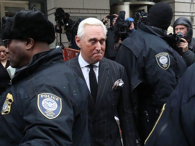 Roger Stone no puede parar de arrastrarse y podría llevarlo a la cárcel