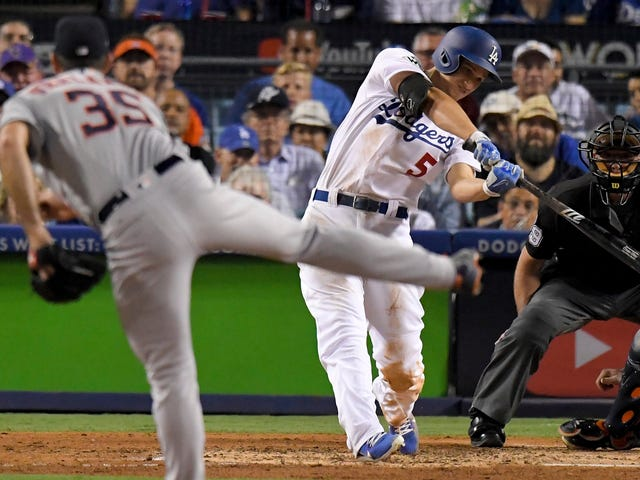 Report: World Series Baseballs Are Too Slick To Throw A Good Slider