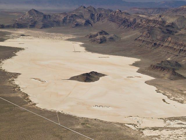180hp Skyhawk + κρεβάτι λίμνης της Ερήμου, τι να κάνετε;