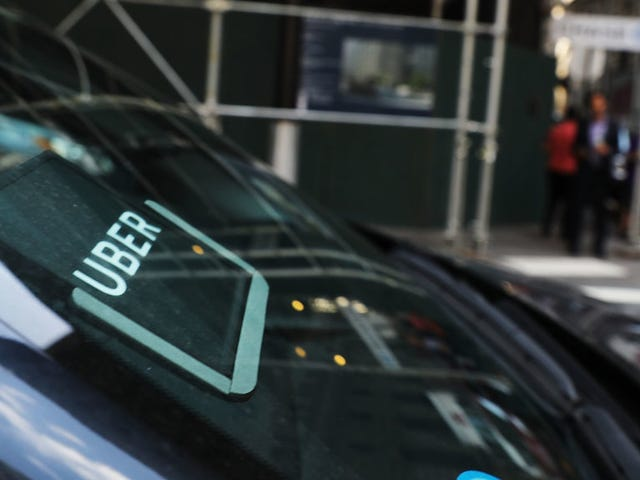 Uber Driver Arrested With Passengers in His Car on Outstanding Attempted Rape Warrant