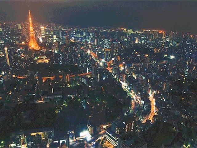 Voir Tokyo de nuit d'en haut donne l'impression d'être une ville pour les machines
