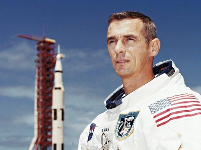 ジーン・セルナン、月面を歩く最後の人物、82歳で死亡