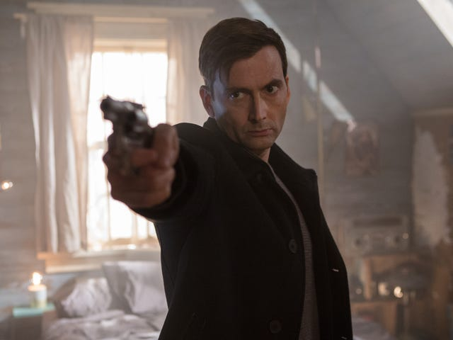 """<a href=""""https://film.avclub.com/a-good-doctor-becomes-a-bad-samaritan-in-this-dopey-but-1825706869"""" data-id="""""""" onClick=""""window.ga('send', 'event', 'Permalink page click', 'Permalink page click - post header', 'standard');"""">A good Doctor becomes a<i>Bad Samaritan </i>in this dopey but fun thriller</a>"""