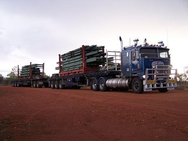 Camionneurs de route de glace?  Pfft.  Western Australia Truckers.