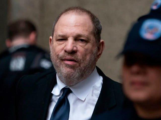 Harvey Weinstein sidder i fængsel og er blevet anklaget for 16 flere seksuelle overgreb