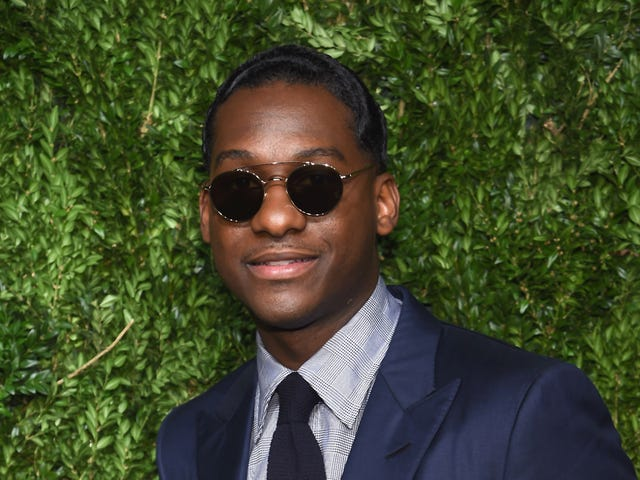 A Good Look: Singer Leon Bridges Collaborates on a Limited-Edition Sunglass Collection
