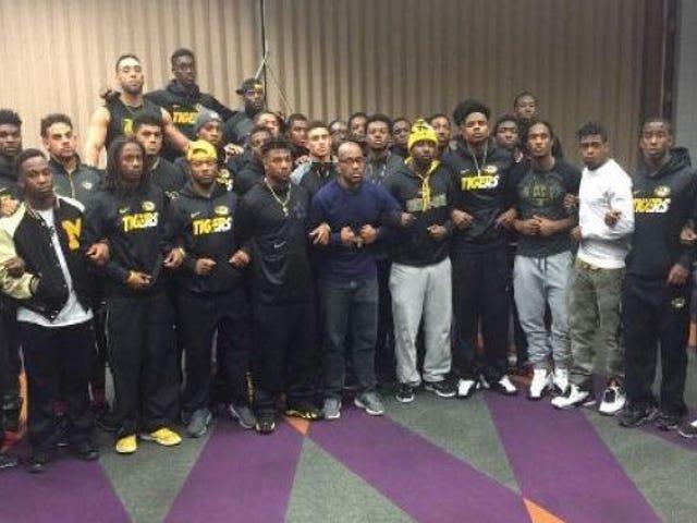 Schwarze Athleten bei Mizzou im Streik um den Missbrauch von Campus-Rassismus durch den Universitätspräsidenten