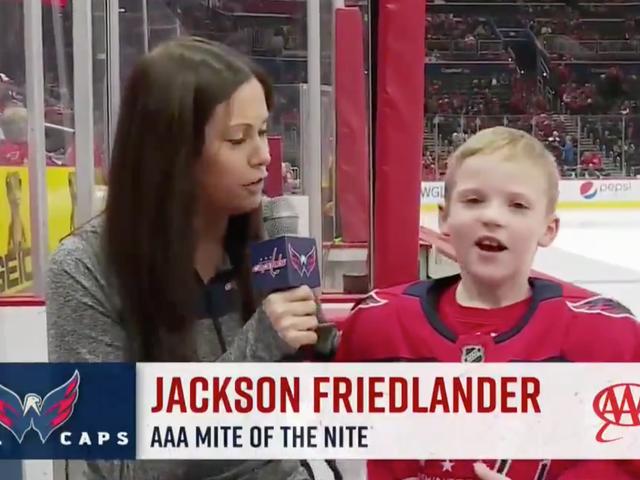 Entschuldigung an dieses Hockeykind, aber ich bin jetzt seine Mutter