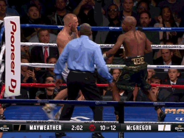 ฟลอยด์ Mayweather จูเนียร์เสร็จสิ้น Conor McGregor กับ TKO รอบที่สิบ