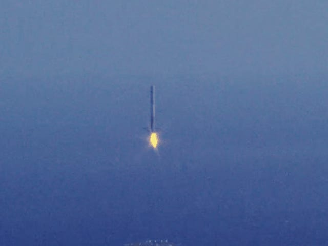 SpaceX explica por qué siguen intentando aterrizar el cohete Falcon 9 ist jetzt der Barcaza