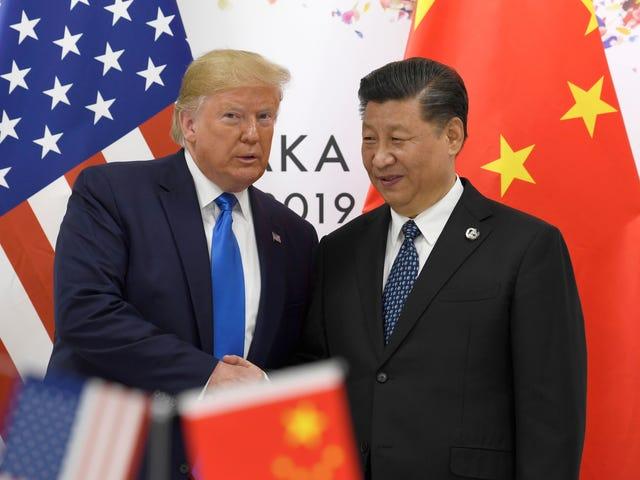 Trump mengatakan dia akan melonggarkan sanksi terhadap Huawei sebagai bagian dari pembicaraan perdagangan dengan China