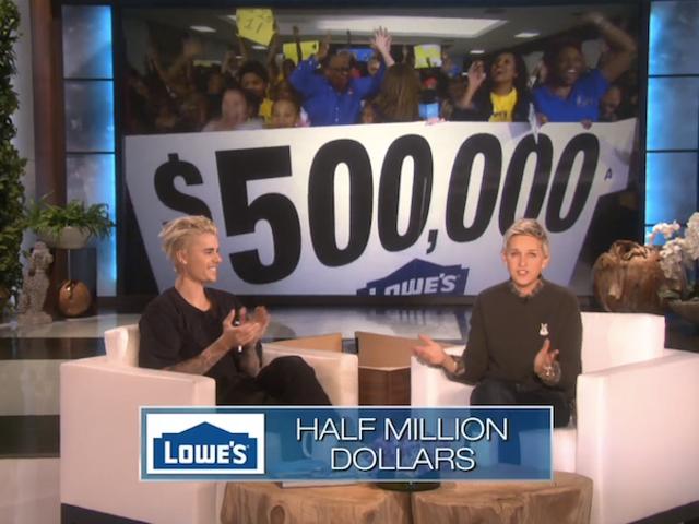 Ellen Degeneres, con Justin Bieber, sorprende a la empobrecida escuela de Detroit con $ 500,000