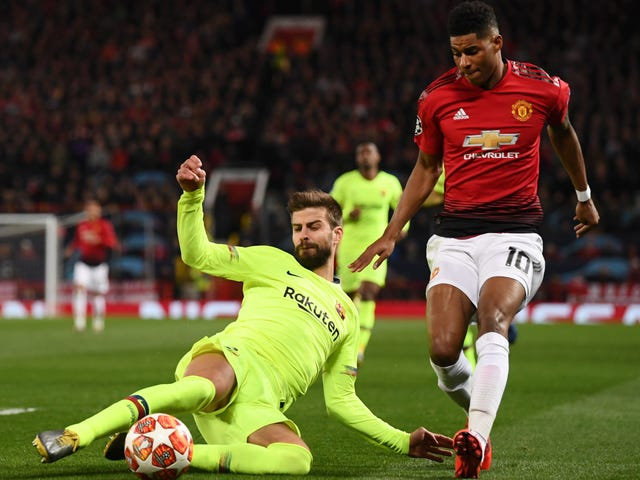 Gerard Piqué Er Barcelonas andre Superman
