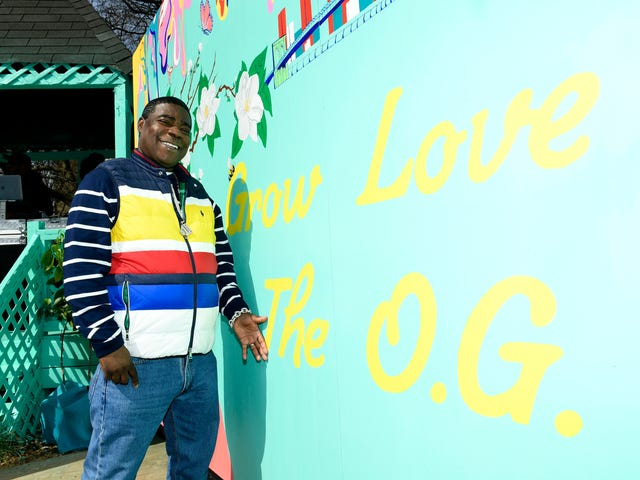 Back to the Essence: Tracy Morgan Returns to Bed-Stuy Community Garden to Kick Off 2nd Season of The Last O.G.