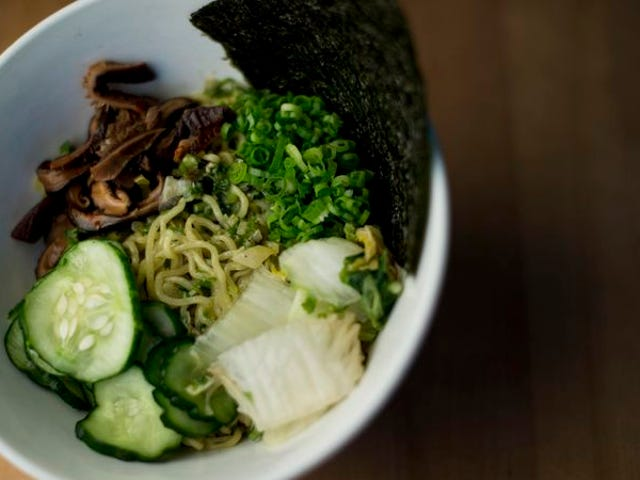Read This: एक अग्रणी खाद्य आलोचक अपच से अधिक संघर्ष करता है