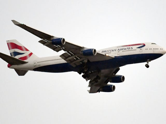 Man Unable to Pay Baggage Fees Kicked Off British Airways After Trying to Wear All His Clothes Onboard