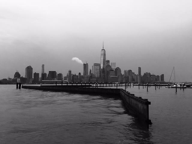 Empat Jam di New York Noir: Bahagian 1, Battery Park & Wall St.