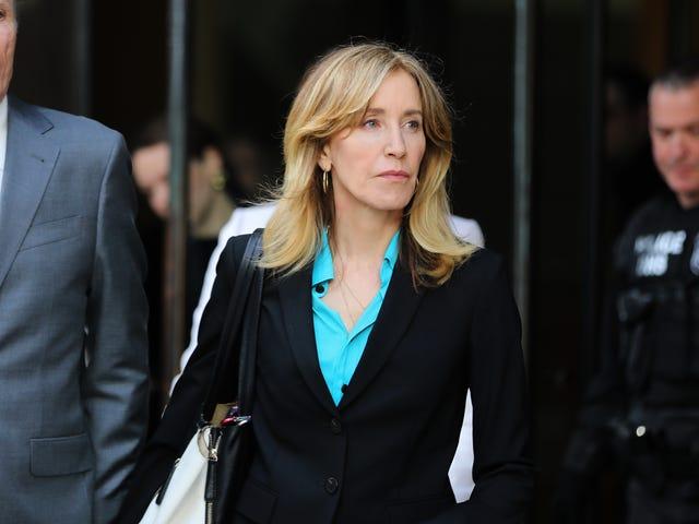 Les procureurs fédéraux réclament un mois de prison pour Felicity Huffman