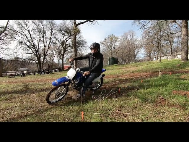 Papai Noel trouxe alguém uma motocicleta para o Natal // VLOG 2