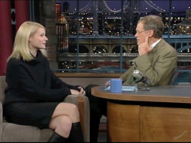 Hier zijn Gwyneth Paltrow en David Letterman die in 2008 Harried Weinstein Coercing People terloops bespraken