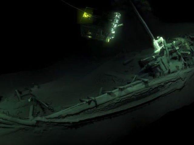 Descubren un barco griego de 2.400 años en perfecto estado de las profundidades del Mar Negro