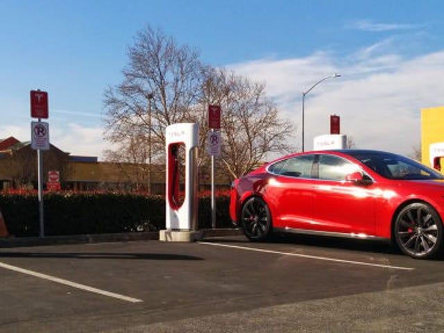 Tại sao kế hoạch của Tesla để loại bỏ 'Phạm vi lo âu' không thành vấn đề