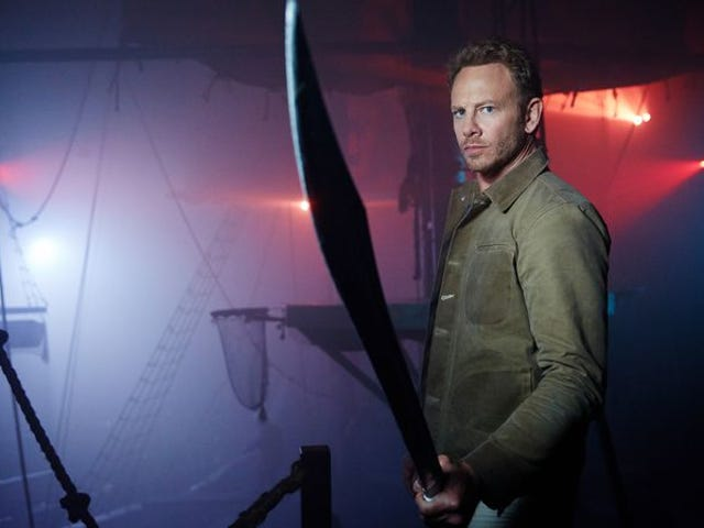 """<a href=https://tv.avclub.com/sharknado-the-4th-awakens-proves-it-s-time-to-put-this-1798188498&xid=17259,15700022,15700186,15700191,15700256,15700259,15700262 data-id="""""""" onclick=""""window.ga('send', 'event', 'Permalink page click', 'Permalink page click - post header', 'standard');""""><i>Sharknado: The 4th Awakens</i> 가이 프랜차이즈를 잠자기에 넣을 시간임을 증명합니다.</a>"""