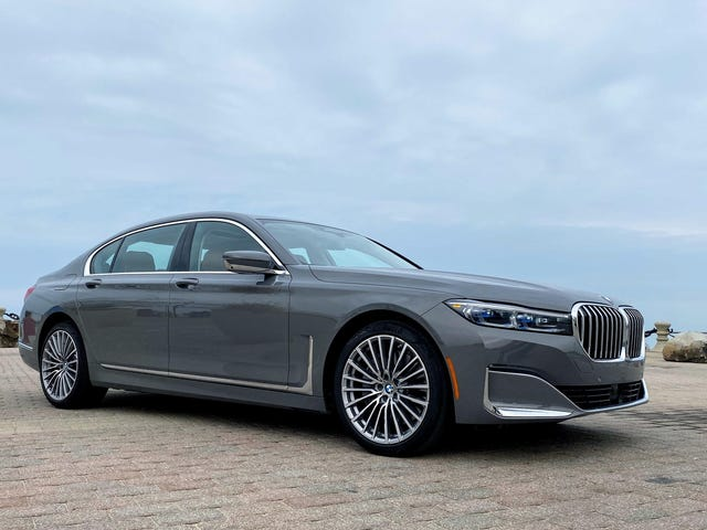Spørg mig noget om den storgrilled 2020 BMW 750i
