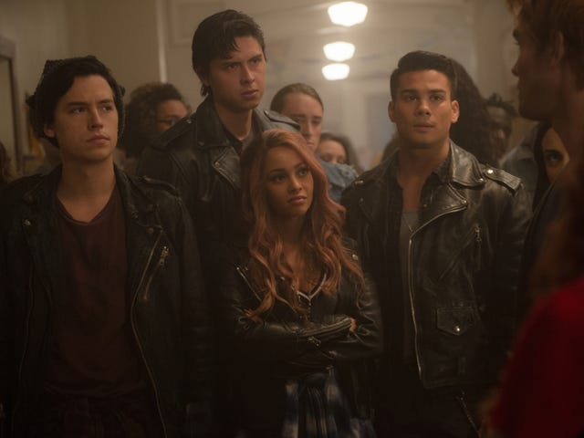 A returning Riverdale struggles in its attempts to move forward