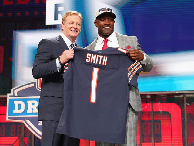 NFL Rookie Roquan Smith's Car Robbed Of Valuable Items, Also Bears Playbook