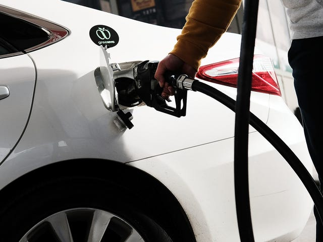 At løbe tør for brændstof kan beskadige din motor