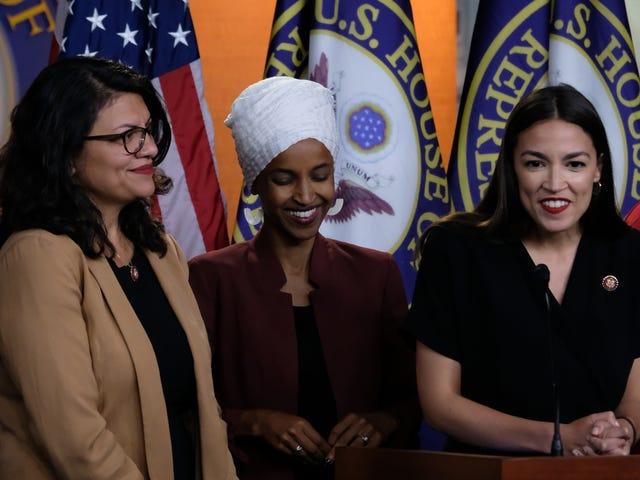 'Trở lại của Bernie': Alexandria Ocasio-Cortez, Ilhan Omar và Rashida Tlaib Kế hoạch chứng thực Bernie Sanders