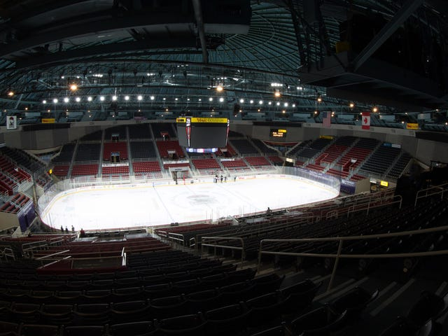 How This Hockey Team Will Run Tonight's Game In An Empty Arena<em></em>