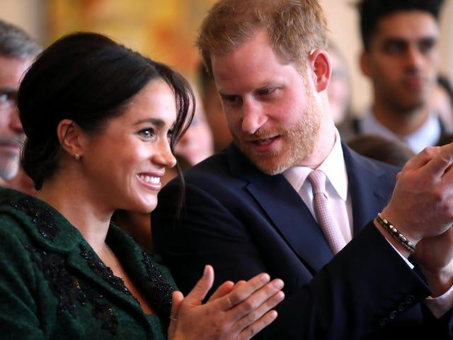 Ito ay isang Boy!  Sinabi ni Prince Harry na si Meghan Markle ay Nagbigay ng Kapanganakan sa Isang Anak