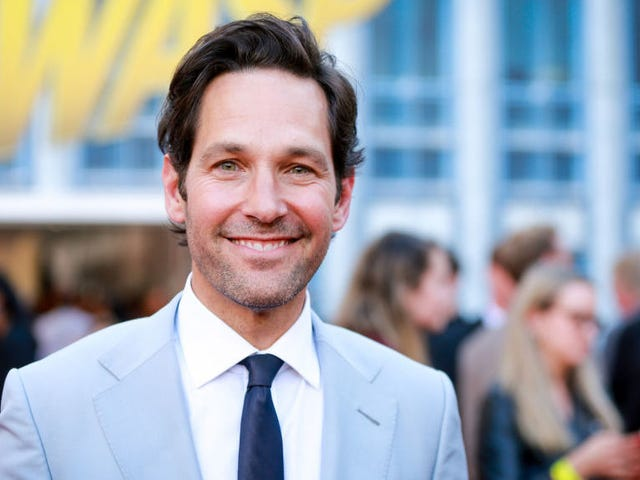 Saturday Night Social: Din Longtime kæreste Paul Rudd er angiveligt 50
